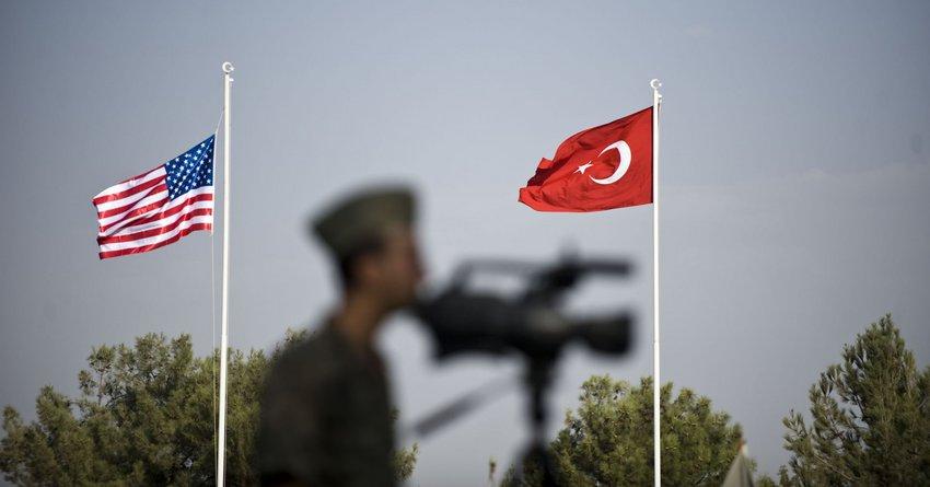 Δεν φεύγουν από τη Συρία οι ΗΠΑ - Ανασύνταξη μόνο 50-100 στρατιωτών από την περιοχή που στοχοθετεί η Τουρκία
