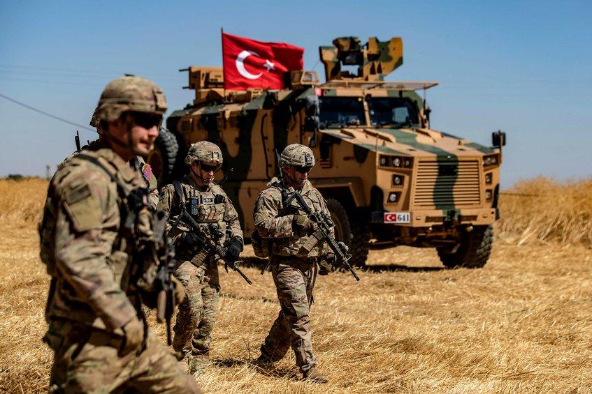 Τουρκικό υπουργείο Άμυνας: Ολοκληρώθηκαν όλες οι προετοιμασίες - Είμαστε έτοιμοι για εισβολή στη Συρία