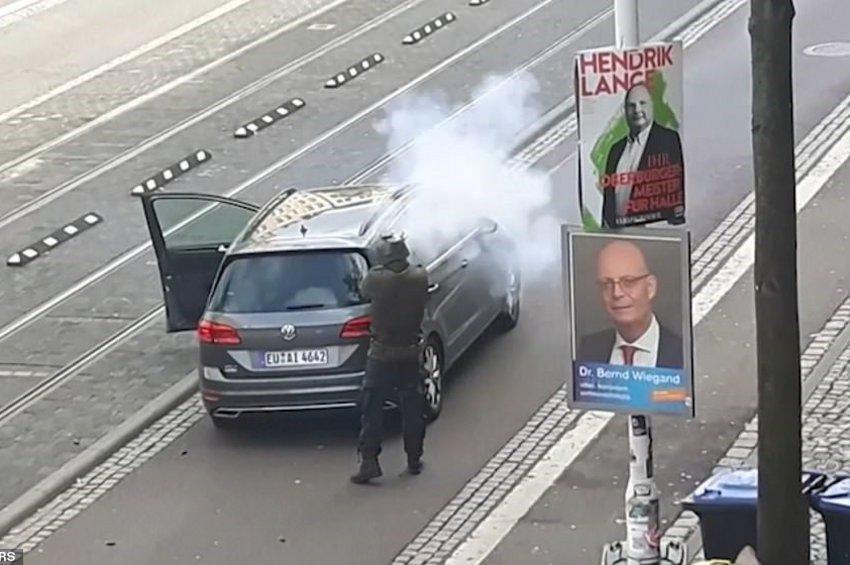 Βίντεο του δράστη την ώρα της επίθεσης στην Γερμανία με 2 νεκρούς - Εκανε ζωντανή μετάδοση!