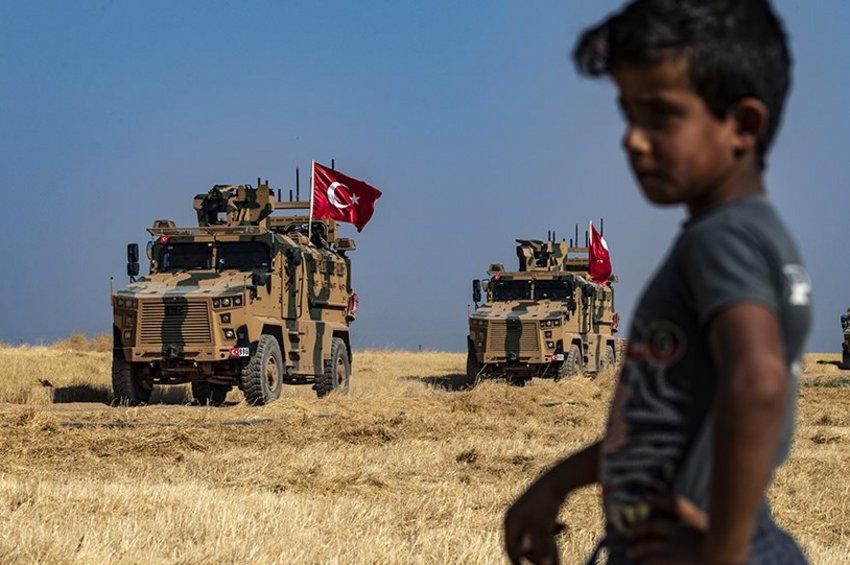 Κούρδος αξιωματούχος: Τουρκικά αεροσκάφη βομβαρδίζουν πόλεις προκαλώντας «τεράστιο πανικό»
