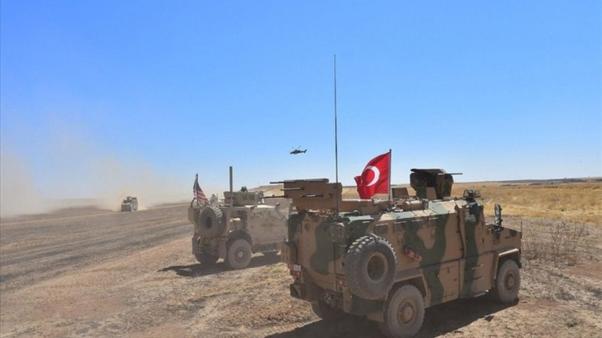 Bloomberg: Τουρκικές δυνάμεις ξεκίνησαν να περνούν στη βορειοανατολική Συρία