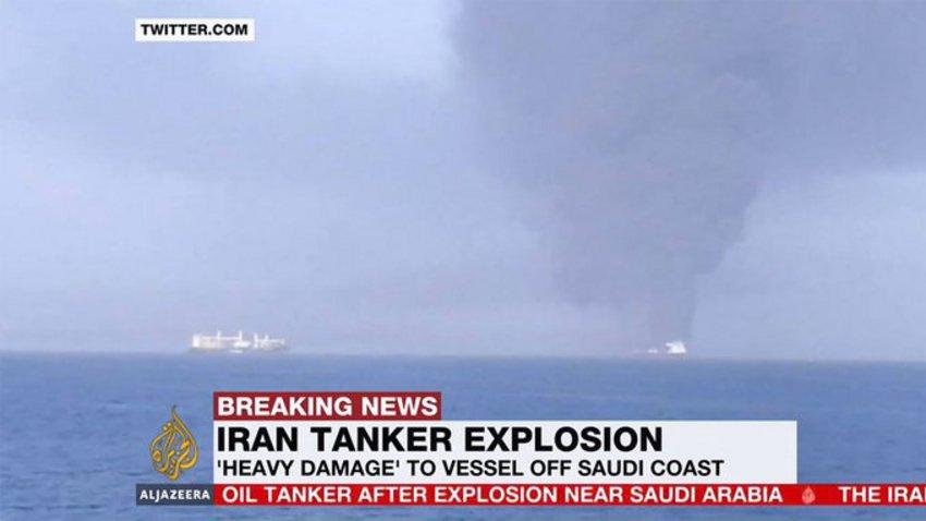 Θρίλερ με το ιρανικό τάνκερ που χτυπήθηκε από πυραύλους στην Ερυθρά Θάλασσα – Θα αλλάξει πορεία