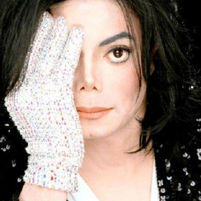 Αποκαλύψεις του Έλτον Τζον για τον Μάικλ Τζάκσον: Δεν μπορούσε να συνυπάρχει με ενήλικες - BINTEO