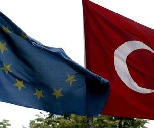 Συνεδριάζουν οι 28 ΥΠΕΞ της ΕΕ για την τουρκική επέμβαση στη Συρία - Για κυρώσεις κάνουν λόγο Χαν και Σάλενμπεργκ