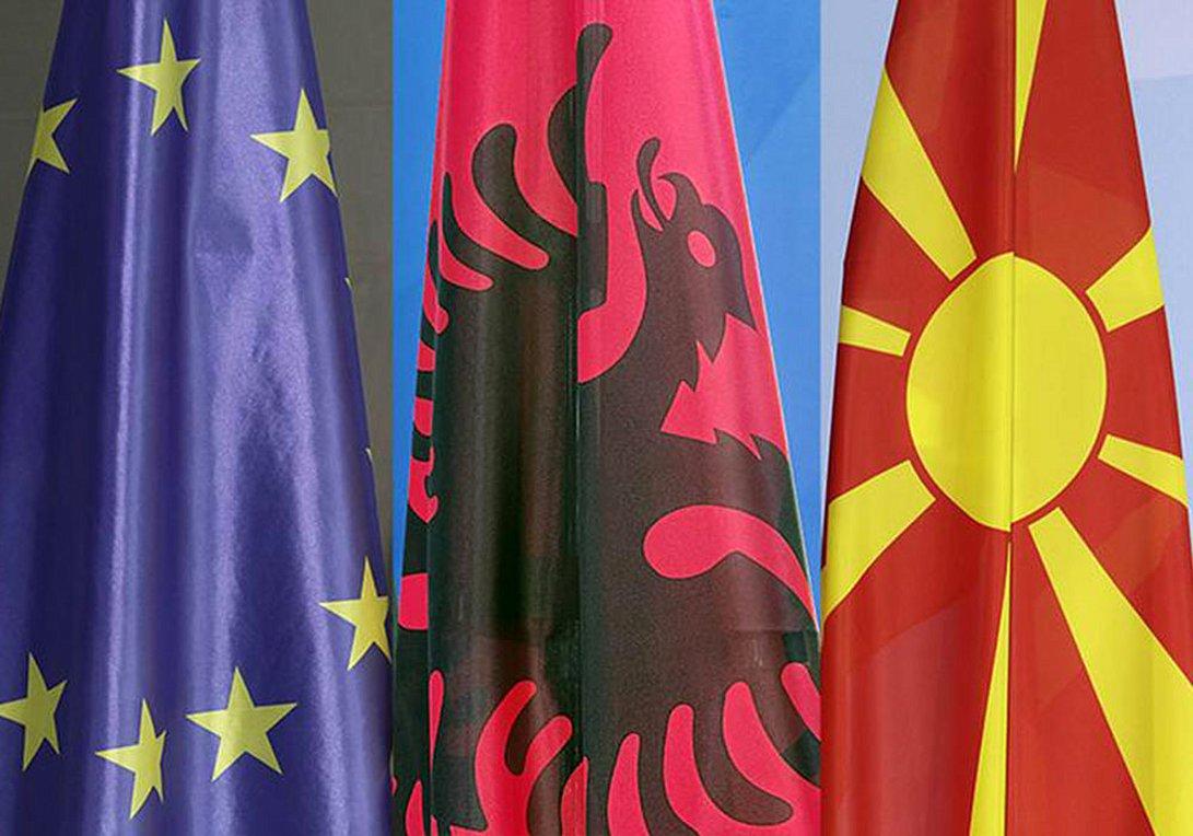 Ανοιχτή επιστολή 10 πρώην ΥΠΕΞ για ενταξιακές διαπραγματεύσεις με Αλβανία-Β.Μακεδονία - Ανάμεσά τους ο Κοτζιάς