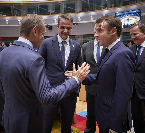 Κυβερνητική πηγή: Ο Μητσοτάκης ενημέρωσε τους συνομιλητές του ότι η Ελλάδα γύρισε επιτέλους σελίδα