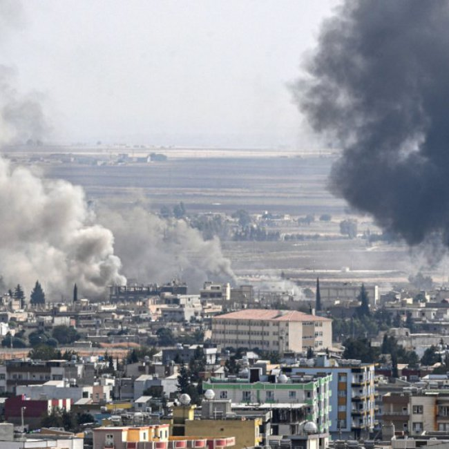 Οι Κούρδοι καταγγέλλουν: Οι τουρκικές δυνάμεις μας χτυπούν με λευκό φώσφορο και ναπάλμ