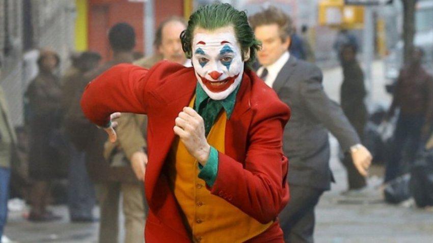 Θύελλα αντιδράσεων για την αστυνομική έφοδο σε κινηματογράφους για την ταινία «Τζόκερ»