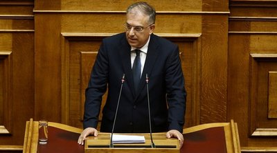 Ευρύτατη πλειοψηφία επιδιώκει η κυβέρνηση για την ψήφο των αποδήμων - Νέες αλλαγές από τον Θεοδωρικάκο