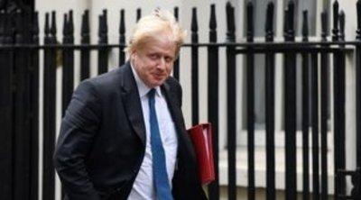 Τζόνσον: «Θα υλοποιήσω το Brexit αξιοπρεπώς» - H Βουλή της Σκωτίας θα κρατήσει τη σημαία της ΕΕ