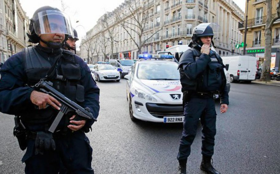 Βέλγιο: Ανθρωποκυνηγητό για οπλισμένο ύποπτο με ακροδεξιές αντιλήψεις που έχει εξαπολύσει απειλές εναντίον γνωστού ιολόγου