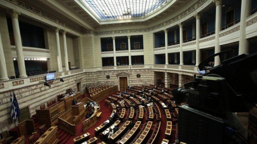 Ένταση στη Βουλή για την επιστολή Τσίπρα - Λοβέρδος: Είναι μπαχαλάκιας! - Στυλιανίδης: Εχουν ήδη συζητηθεί