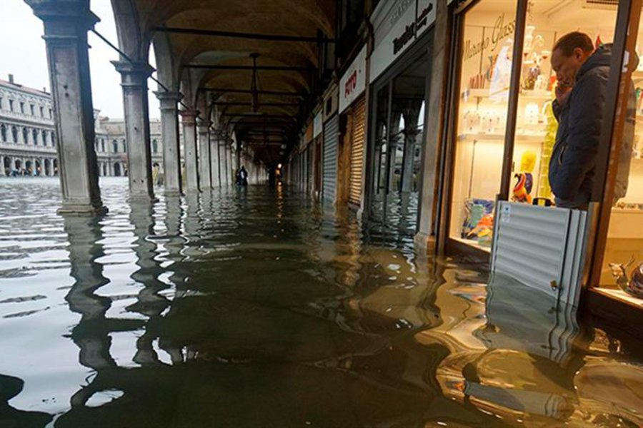 Σε κατάσταση έκτακτης ανάγκης η Βενετία: «Πνίγηκε» η Βασιλική του Αγίου Μάρκου