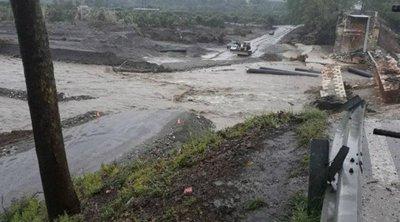Σε κατάσταση έκτακτης ανάγκης τα Χανιά - Αποκομμένοι κάτοικοι του Αλικιανού, κατέρρευσε η πρόχειρη γέφυρα
