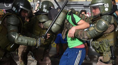 Στη δίνη της κοινωνικής αναταραχής η Χιλή - Στους 22 οι νεκροί, πάνω από 1000 συλλήψεις