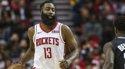 NBA: «Διέλυσε» τους Κλίπερς ο ασυγκράτητος Χάρντεν