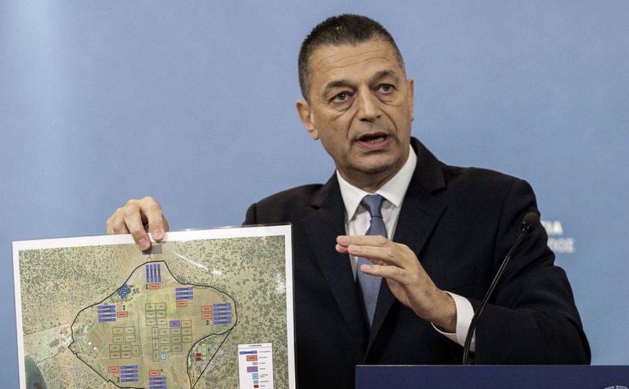 Στεφανής: Μόνο με άδεια θα βγαίνουν οι μετανάστες από τα κλειστά κέντρα - Το σχέδιο της κυβέρνησης