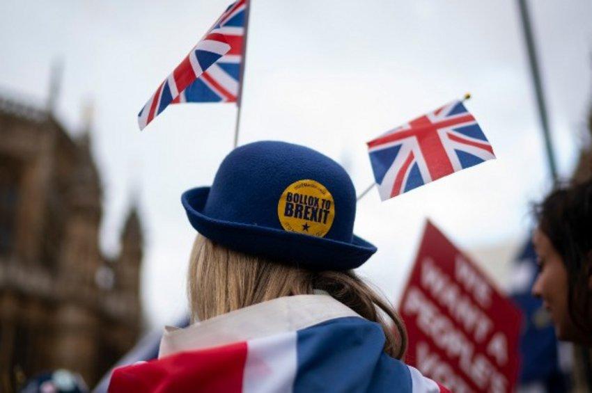 Πολιτικές αναταράξεις στη Βρετανία για το Brexit  - Εξετάζουν σχηματισμό κυβέρνησης έκτακτης ανάγκης