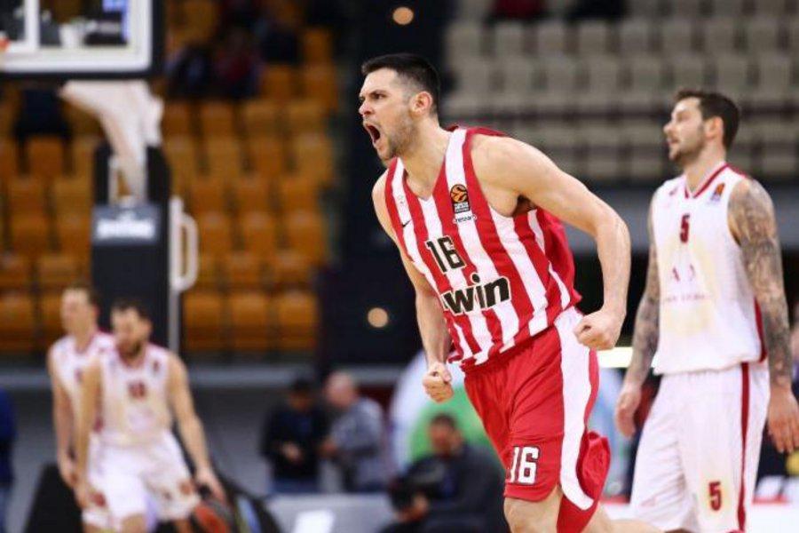ΒΙΝΤΕΟ: Πρωταγωνιστεί στο top 10 των μπλοκ της EuroLeague ο Παπανικολάου
