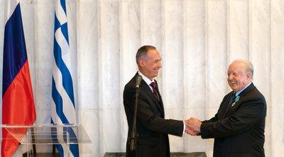 Η Ρωσική Πρεσβεία τίμησε τον Νίκο Δασκαλαντωνάκη