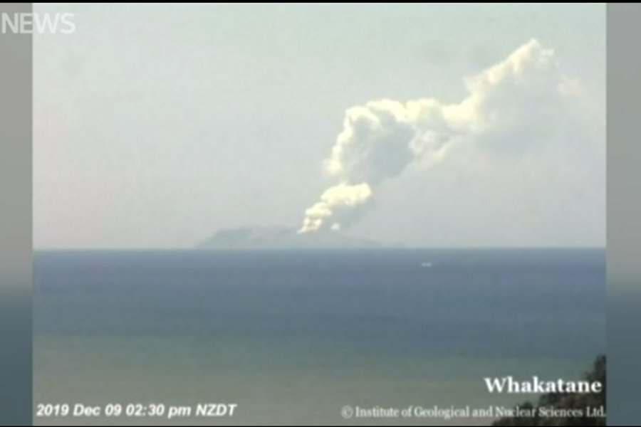 Εικόνες από την ηφαιστειακή έκρηξη στη Νέα Ζηλανδία: Υπάρχουν τραυματίες και αγνοούμενοι
