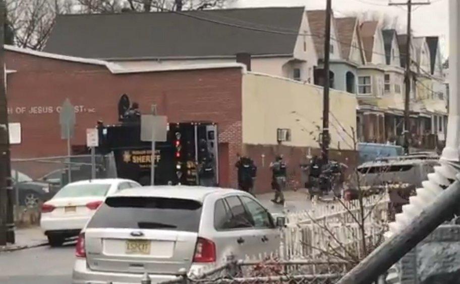 To FBI ερευνά την επίθεση στο εβραϊκό παντοπωλείο στο Νιου Τζέρσεϊ ως περιστατικό εγχώριας τρομοκρατίας