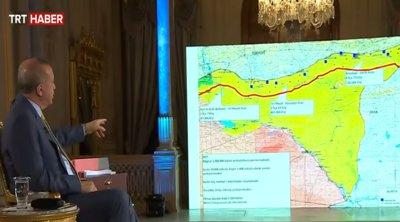 Πρόκληση στην πρόκληση από τον Ερντογάν: Εδειξε χάρτες με τα σχέδιά του για την αν. Μεσόγειο