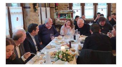 Το γεύμα του Τσίπρα σε ταβέρνα στα Τρίκαλα: Ποιοι ήταν στην παρέα - Τι περιελάμβανε το μενού