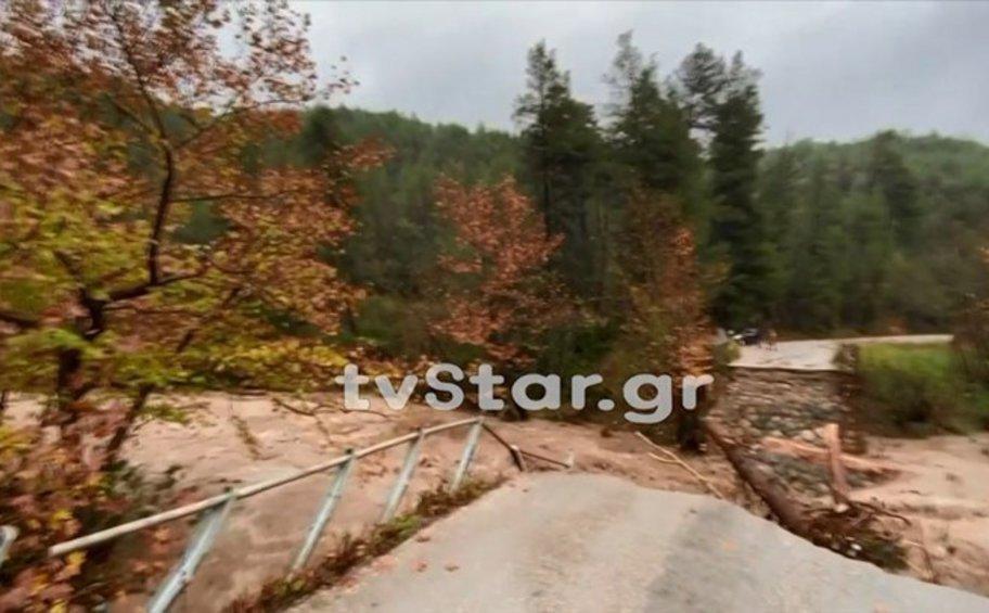 Εύβοια: Γκρεμίστηκε γέφυρα στον κεντρικό οδικό άξονα