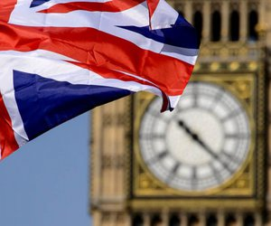 Βρετανία-Εκλογές: Ουρά στις κάλπες - Το πρώτο αποτέλεσμα γύρω στη 01.00