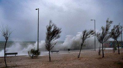 Η εισβολή του «Ετεοκλή» φέρνει καταιγίδες, χαλάζι και 9 μποφόρ -  Δείτε σε ποιες περιοχές θα «χτυπήσει»