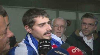 Εφτασε στην Αθήνα ο Έλληνας ναυτικός: Επιτέλους γύρισα σπίτι μου
