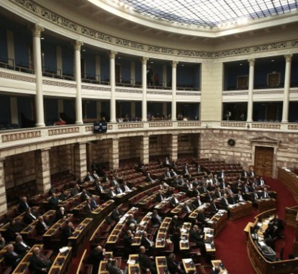 Τις επόμενες ημέρες στη Βουλή ν/σ για νέο κεντρικό συντονιστικό όργανο αντιμετώπισης του παρεμπορίου