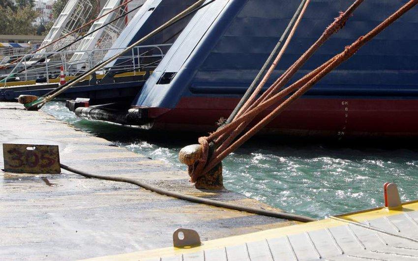 Σε ισχύ το απαγορευτικό σε πολλά λιμάνια, λόγω των ισχυρών βόρειων ανέμων έως 11 μποφόρ