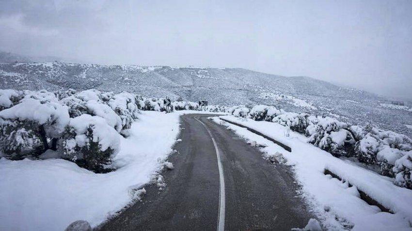 Προβλήματα απο τα χιόνια στο επαρχιακό δίκτυο της Δ. Μακεδονίας - Άνοιξε η Εγνατία για τα φορτηγά