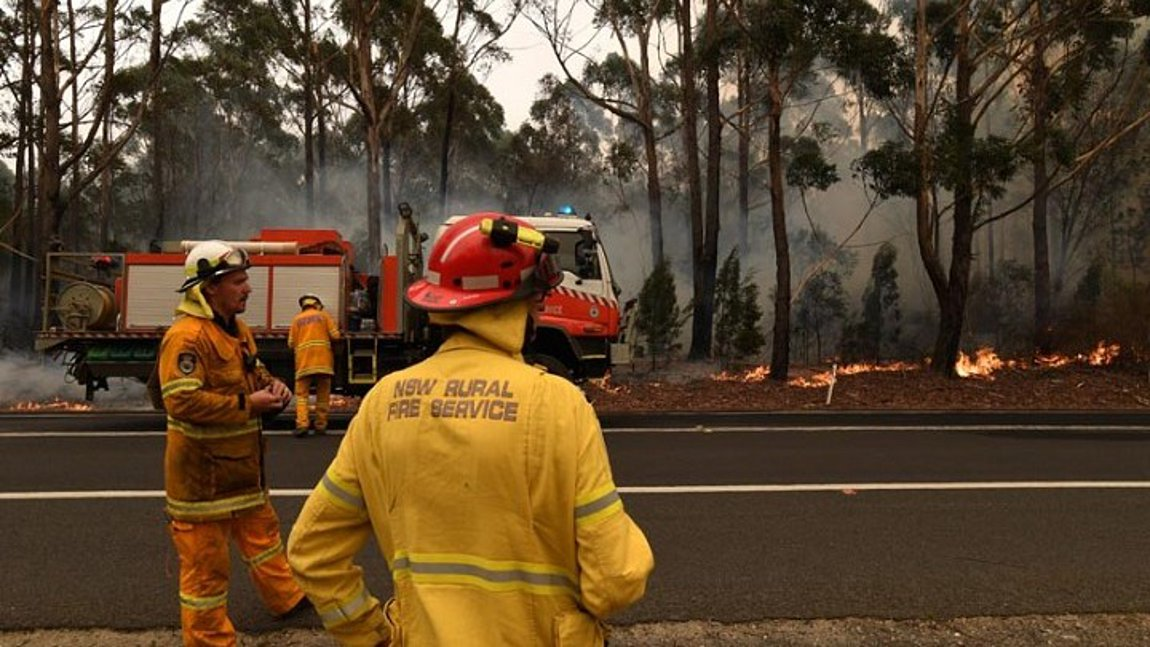 Προειδοποίηση για αναζωπύρωση των πυρκαγιών στις ανατολικές πολιτείες της Αυστραλίας λόγω υψηλών θερμοκρασιών και ισχυρών ανέμων
