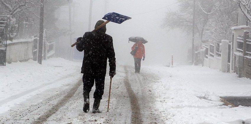 Ο «Ηφαιστίων» σαρώνει με χιόνια και πολικές θερμοκρασίες - Που εντοπίζονται προβλήματα