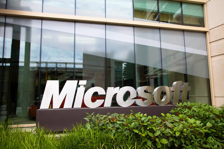 BBC: Η Microsoft θα αντικαταστήσει τους δημοσιογράφους με ρομπότ