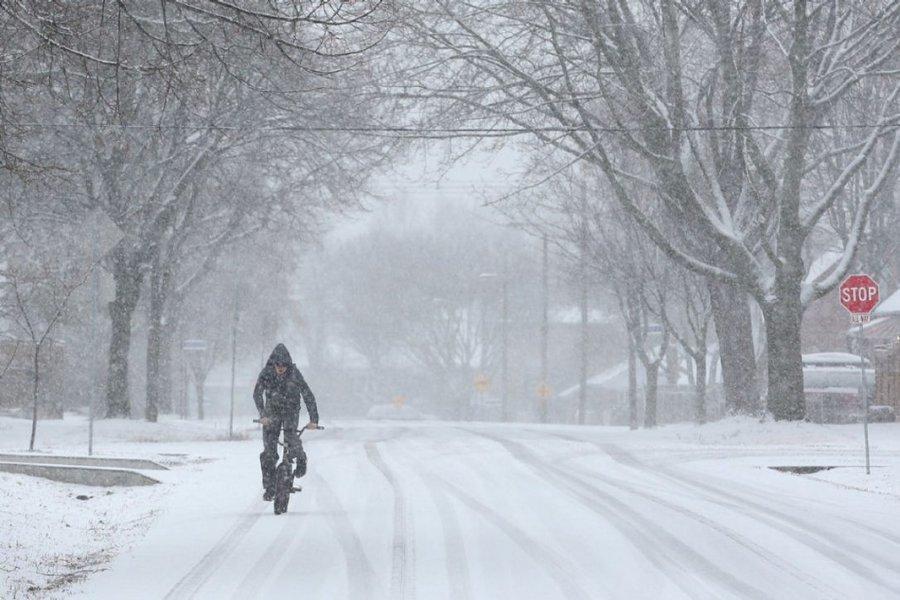 Θα μας «παγώσουν» οι βοριάδες από την Κυριακή - Χιόνισε στην Πάρνηθα – ΒΙΝΤΕΟ