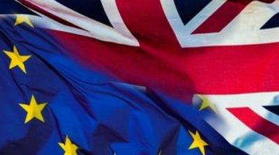 Βρετανός υπουργός υποστηρίζει ότι το ΗΒ θα είναι καλύτερα εκτός ΕΕ - Η Τερέζα Μέι σάστισε στη Βουλή