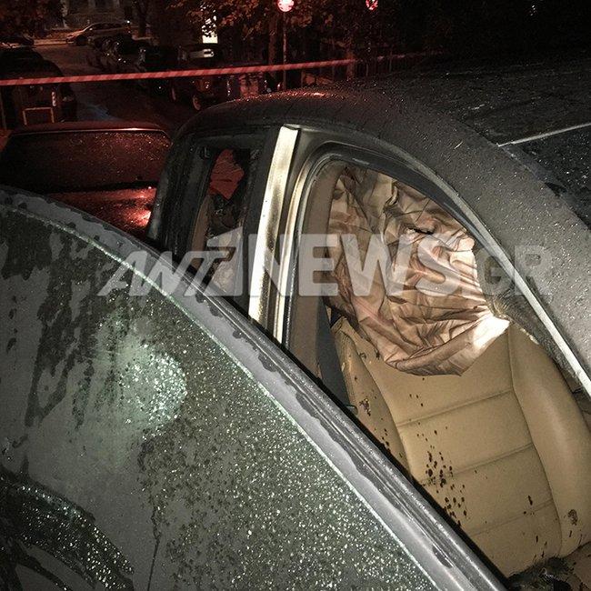 Τέταρτη νύχτα εμπρηστικών επιθέσεων σε Ι.Χ. - Εκαψαν τρία οχήματα στο Κολωνάκι