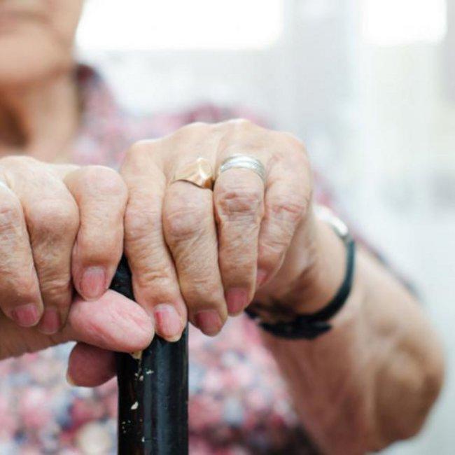 Συνταξιούχοι: Κερδισμένοι και χαμένοι του νέου ασφαλιστικού – Ποιοι και πότε θα πάρουν αυξήσεις