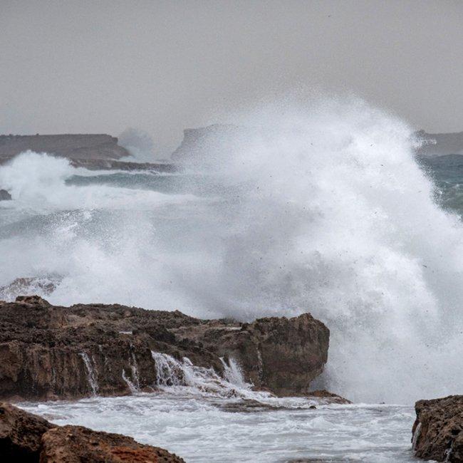 Ισχυρός αντικυκλώνας σχηματίζεται στη Δ. Ευρώπη - Τι δείχνουν τα μετεωρολογικά δεδομένα για την Ελλάδα