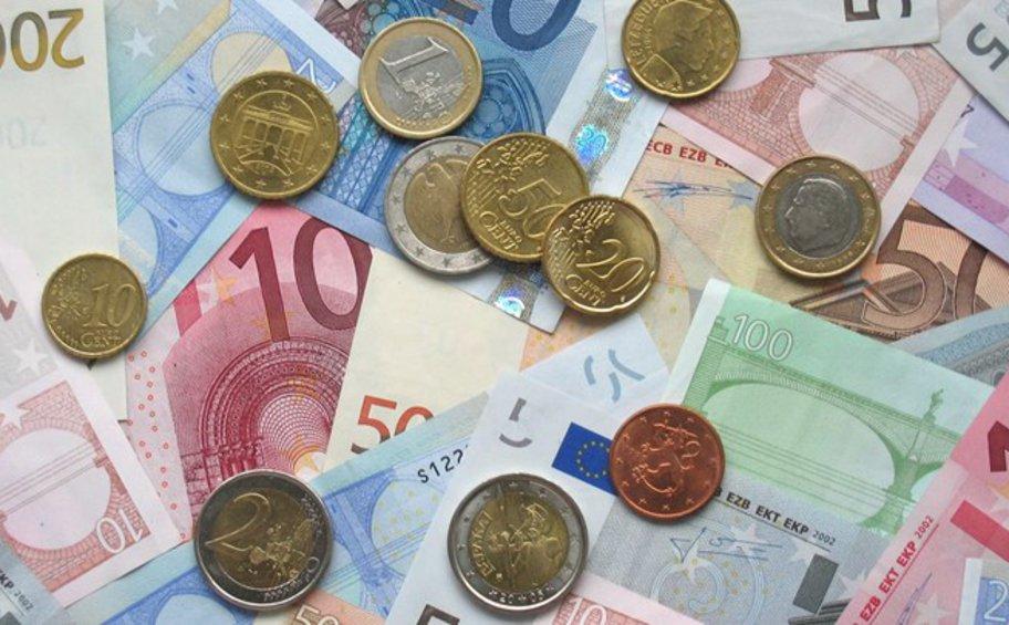Eurostat: Εμπορικό πλεόνασμα 85,9 δισ. ευρώ στην ευρωζώνη στο εξάμηνο