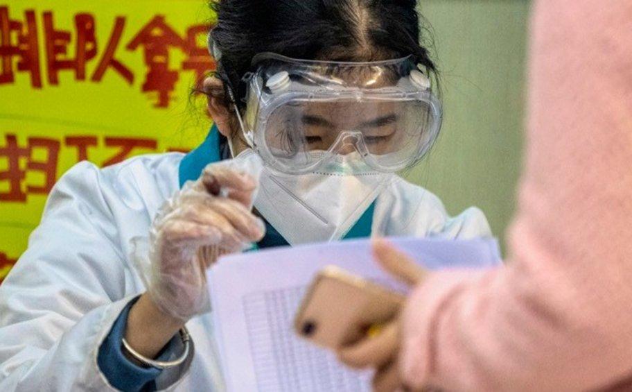 Sunday Times: Ιός με γενετικές ομοιότητες με τον SARS-CoV-2 είχε πιθανόν εμφανιστεί στην Κίνα το 2012