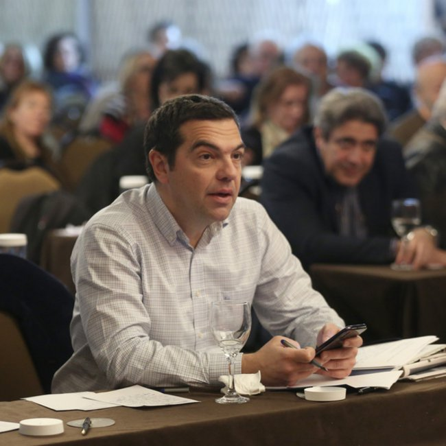 Πολιτική θύελλα για τη δήλωση Τσίπρα περί ελέγχου «αρμών της εξουσίας» - Πέτσας: Πρόκληση κατά της Δημοκρατίας - ΚΙΝΑΛ: Ολοκληρωτικές αντιλήψεις