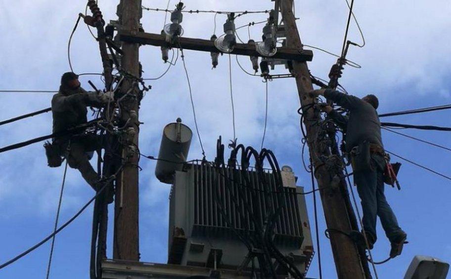 Εύβοια: Συνεχίζονται οι εργασίες αποκατάστασης της ηλεκτροδότησης