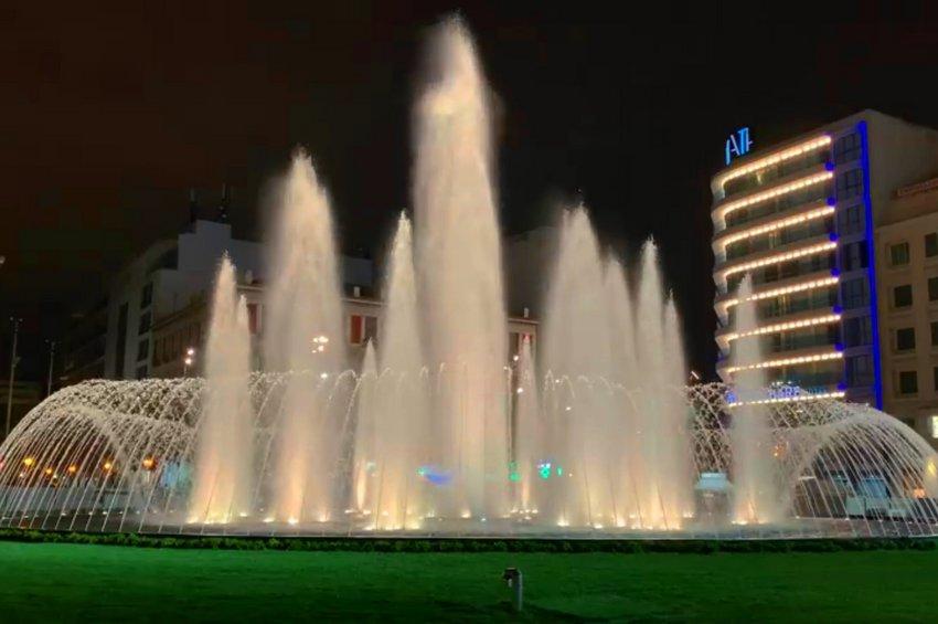 «Έτοιμη» η πλατεία Ομονοίας: Γέμισε με νερό το σιντριβάνι - Η ανάρτηση του Κώστα Μπακογιάννη - ΒΙΝΤΕΟ