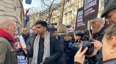 Βαρουφάκης: Είμαστε όλοι Wikileaks