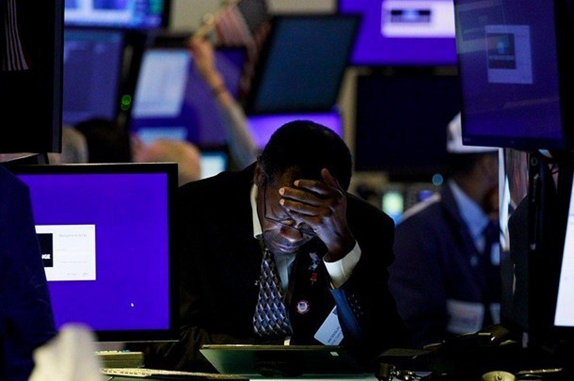 Κορωνοϊός: Πτώση των μετοχών σε παγκόσμιο επίπεδο για πέμπτη ημέρα - Υπό πίεση τα ελληνικά ομόλογα - Πάνω από το 1,16% η απόδοση του 10ετους